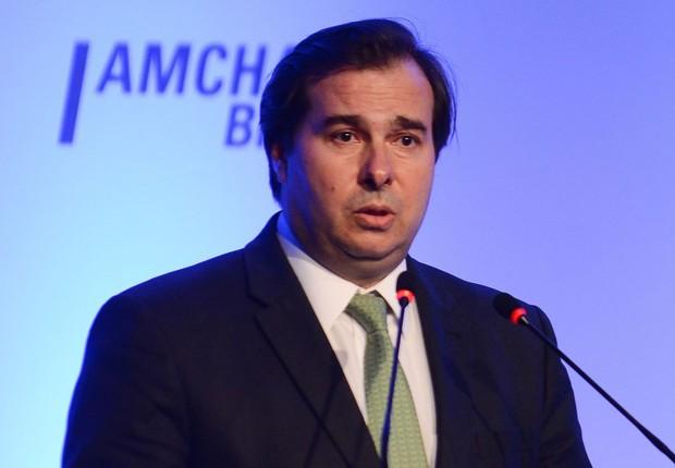 O presidente da Câmara dos Deputados, Rodrigo Maia (DEM-RJ), participa da cerimônia de posse do Conselho de Administração da Amcham (Foto: Rovena Rosa/Agência Brasil)