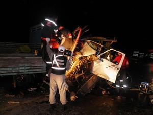 Acidente envolvendo dois caminhões e ambulância matam três no RS (Foto: Altamir Oliveira/divulgação)