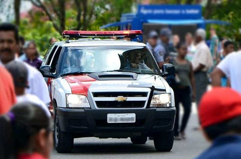 Suspeito foi detido  ao ser localizado em um ônibus em Iguape, no Vale do Ribeira (Foto: Divulgação/Polícia Militar)