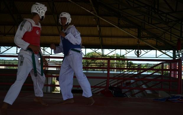 Federação de taekwondo do Acre tem escolinha com mais de 160 alunos (Foto: Nathacha Albuquerque)