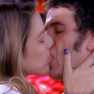 Ulisses e Vânia terminam juntinhos, mas sem casamento à vista (Guerra dos Sexos / TV Globo)
