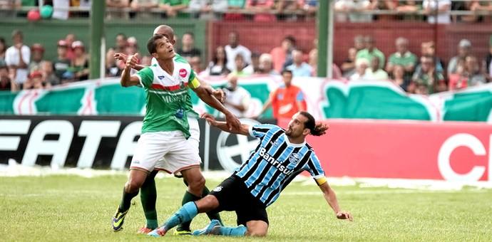Barcos jogo Grêmio e São Paulo-RS (Foto: Fabio Gomes / Agência Estado)