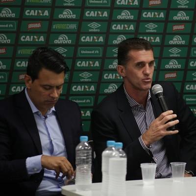 Rui Costa e Vagner Mancini foram apresentados na Chapecoense  (Foto: A.C.F.)