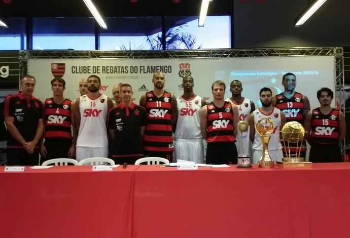 Time de basquete do Flamengo para a próxima temporada é apresentado (Foto: Marcello Pires)