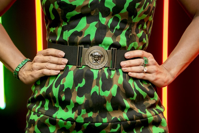 A técnica usou joias de esmeraldas para a Final do reality (Foto: Isabella Pinheiro/Gshow)