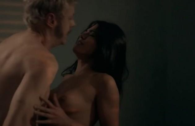 Antonia também fez sequências ousadas com Guilherme Weber, outro cliente de sua personagem, Lúcia (Foto: Reprodução)