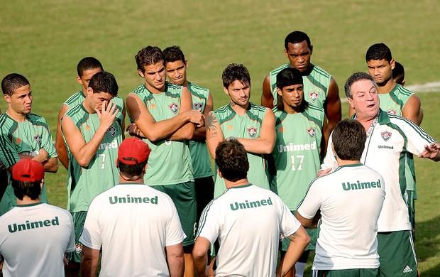 Abel Braga no treino do Fluminense (Foto: Dhavid Normando / Photocamera)