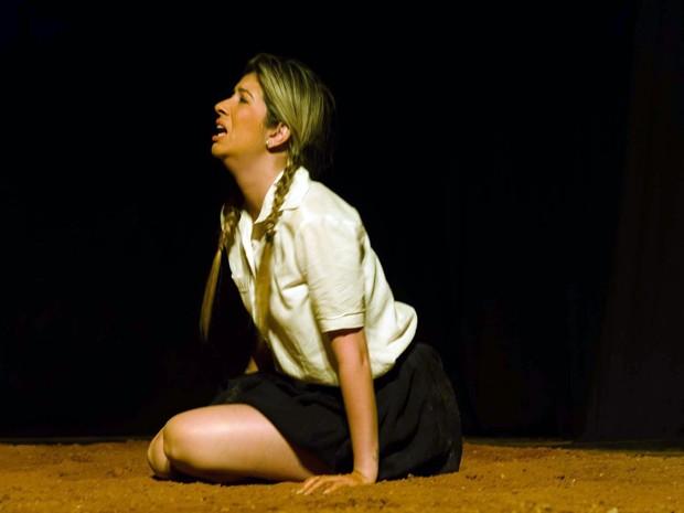 Glorinha, Lidiane Chibante, Perdoa-me por me traíres, Grupo de Teatro Experimental, Pouso Alegre (Foto: Foto Clube Pouso Alegre)