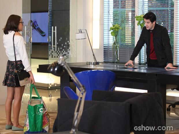 Jonas decidirá dar 1% das ações da Marra para sua sobrinha Danusa (Foto: Camila Camacho/TV Globo)