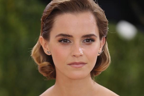 """Emma Watson vira uma princesa no trailer de """"A Bela e a Fera"""""""