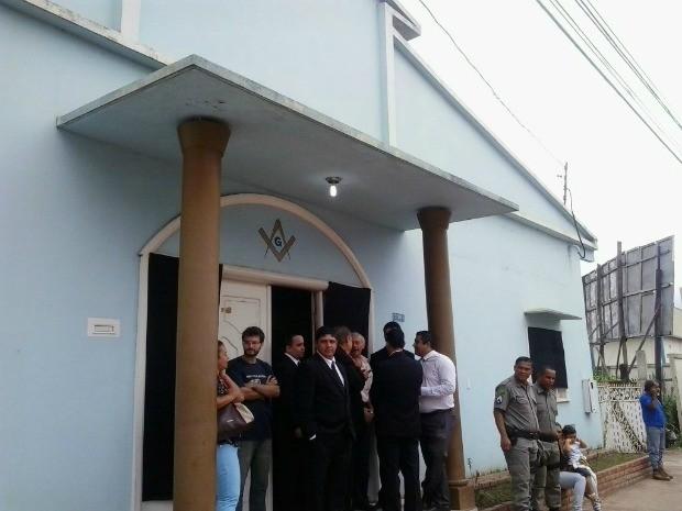Velório foi feito na Loja Maçônica em Rio Branco  (Foto: Aline Nascimento/ G1)