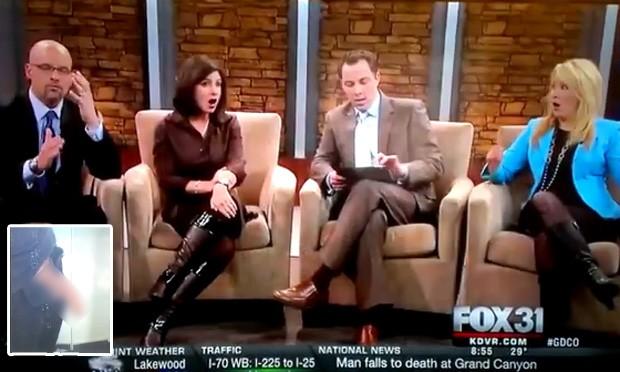 Apresentadores ficaram chocados após gafe que exibiu foto de pênis ao vivo durante jornal nos EUA (Foto: Reprodução/YouTube/Ryan Walsh)