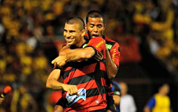 Sport x São Caetano - Neto Baiano (Foto: Aldo Carneiro/Pernambuco Press)
