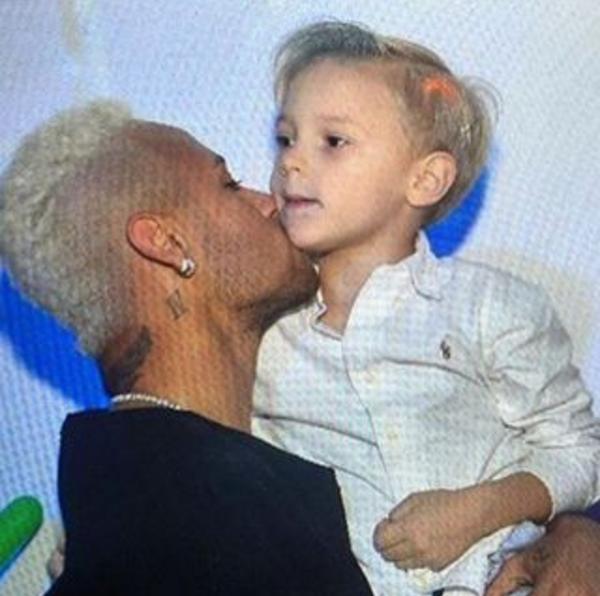 Neymar com filho no aniversário Davi Lucca (Foto: Instagram)