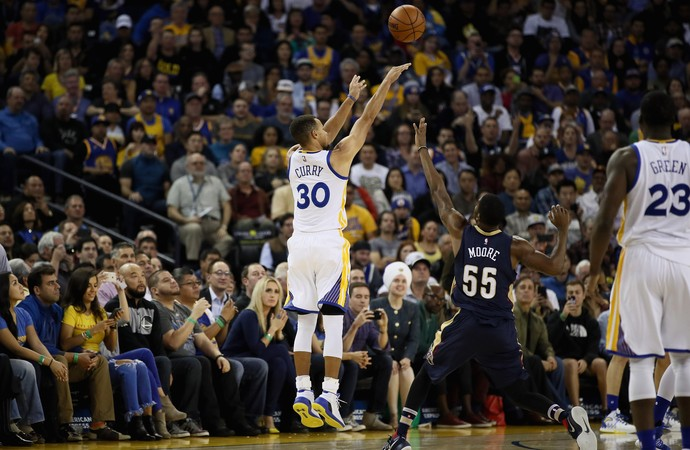 Stephen Curry Warriors x Pelicans NBA (Foto: Getty)