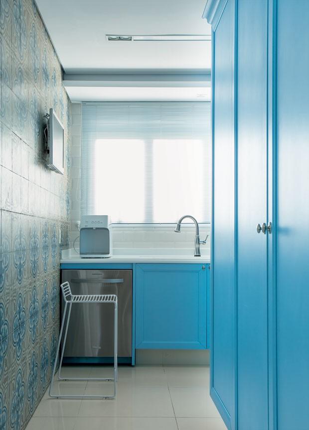cozinha-azul-arquiteta-paula-gambier (Foto: Edu Castello/Editora Globo)