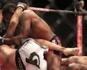 Spencer domina Paulo Thiago e deixa Caveira em situação delicada no UFC