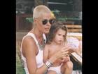 Monique Evans mostra foto antiga com Bárbara Evans criança