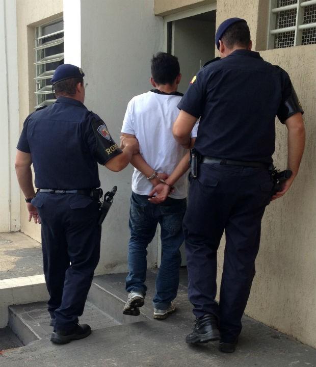 Estuprador foi conduzido à Cadeira Pública de Pilar do Sul (Foto: Divulgação/Guarda Municipal)