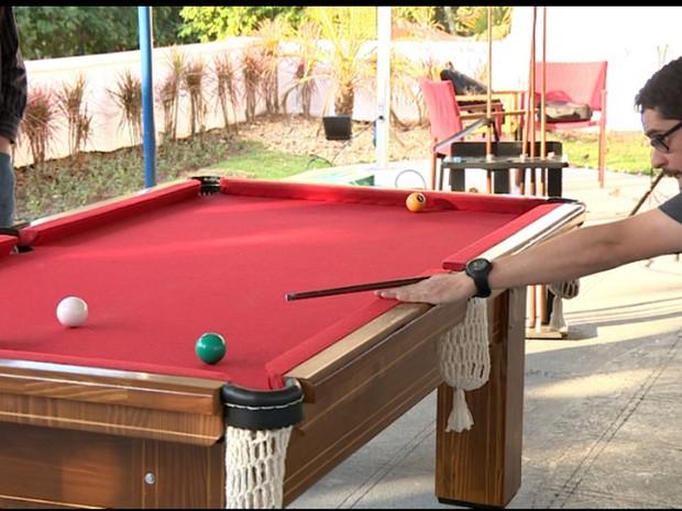 Atividades recreativas dentro da empresa ajudam a descontrair os funcionários  (Foto: Reprodução EPTV)