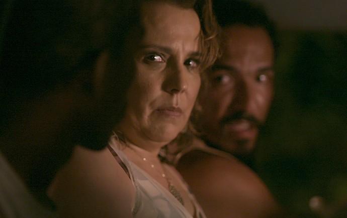 Néia acaba sendo sequestrada de verdade! (Foto: TV Globo)
