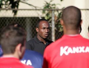 Zé Luis, volante do paraná Clube (Foto: Site oficial do Paraná Clube/Divulgação)