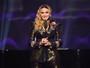 Madonna adota duas meninas gêmeas do Malawi