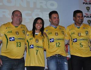 Falcão Manoel Tobias Vanessa Douglas futsal nova camisa (Foto: João Gabriel Rodrigues)