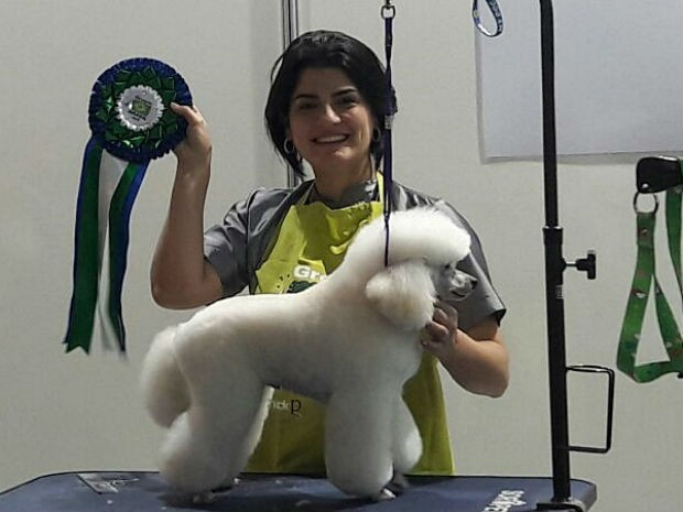Natália Espinosa ficou em sexto lugar no concurso Groomer Brasil 2016 com tosa de Poodle Toy (Foto: Arquivo pessoal)