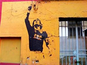 Mural de Totti pintado em Roma (Foto: Reprodução)