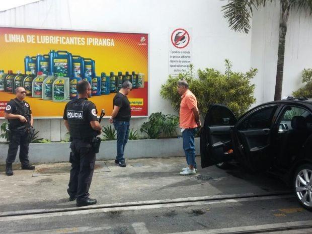Homens foram presos durante ação frustrada em banco (Foto: Divulgação/Polícia Civil)