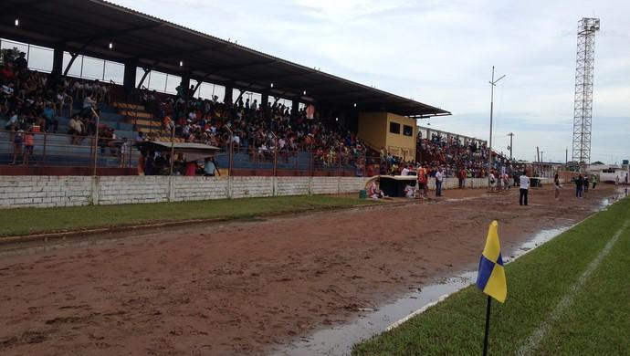 Torcida no jogo entre Guajará e Rondoniense, pela estreia no campeonato estadual (Foto: Junior Freitas)