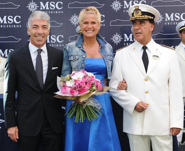Xuxa inaugura festa em navio (Foto: Francisco Cepeda / AgNews)