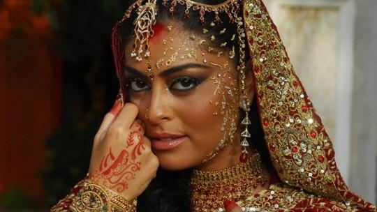Conheça a Mehndi, uma tatuagem temporária tradicional na Índia