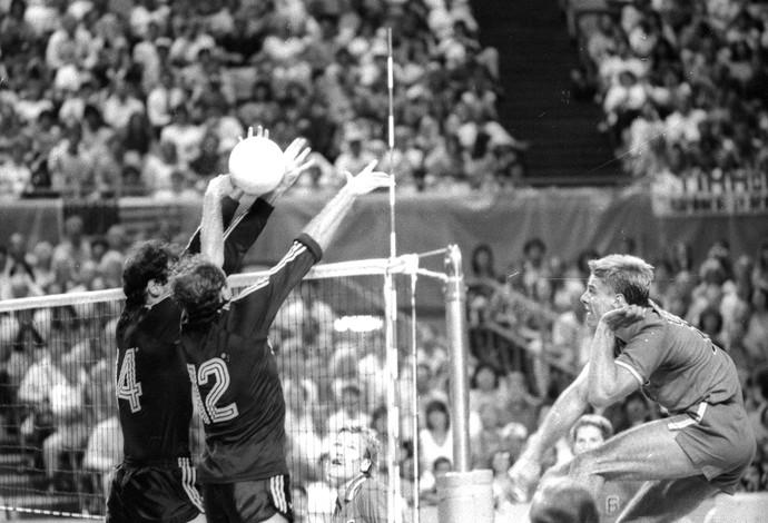 volei Brasil x EUA 1984 , Los Angeles especial volei geração de prata (Foto: Anibal Philot / Agência OGlobo)