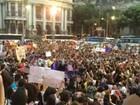 Grupo protesta em favor dos direitos da mulher e contra Eduardo Cunha