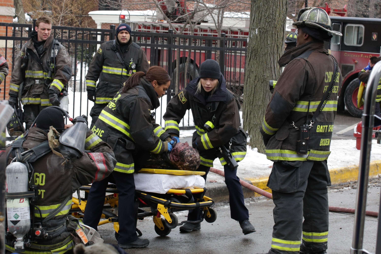 Resgates são sempre situações delicadas (Foto: NBC/Universal)