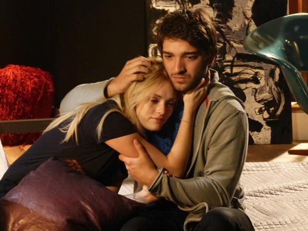 Davi encontra Megan cega e não tem coragem de terminar o namoro (Foto: Geração Brasil/TV Globo)
