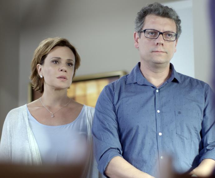 Miguel acha que Ciça está querendo dar um golpe (Foto: TV Globo)
