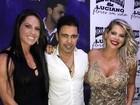 Karina Bacchi posa com Zezé Di Camargo e Graciele Lacerda