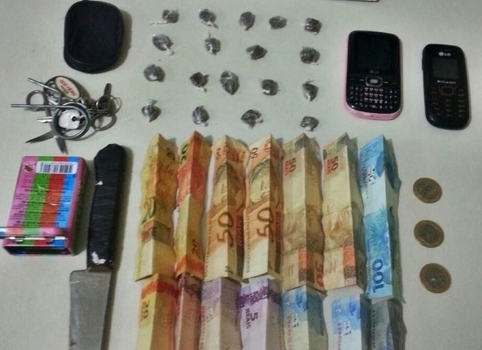 Material foi encaminhado à delegacia (Foto: Polícia Militar/Divulgação)