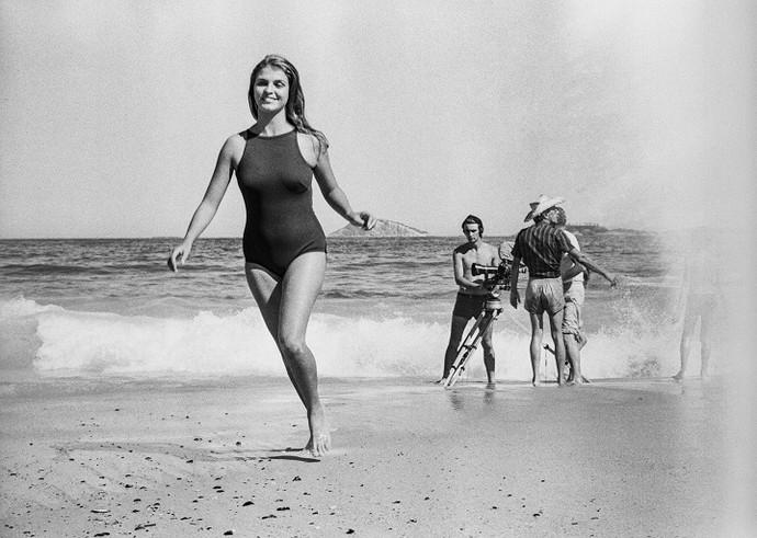 Leila Diniz, no Rio de Janeiro, em 1968 (Foto: Evandro Teixeira)