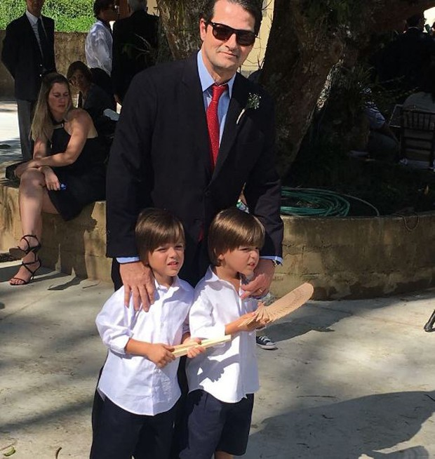 Marcelo Serrado com seus gêmeos, Felipe e Guilherme (Foto: Reprodução/Instagram)