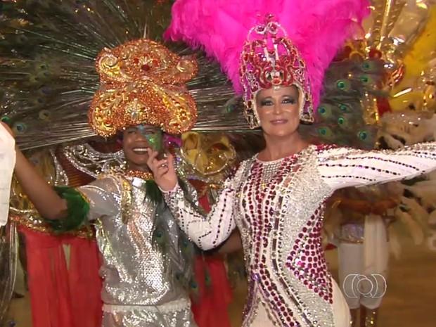 Desfile de carnaval em Goiânia, Goiás (Foto: Reprodução/TV Anhanguera)
