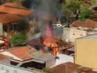 Casa utilizada por usuários de drogas em Londrina é destruída por incêndio