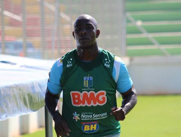 Glaysson, goleiro do Nacional-MG (Foto: Cleber Corrêa/GLOBOESPORTE.COM)