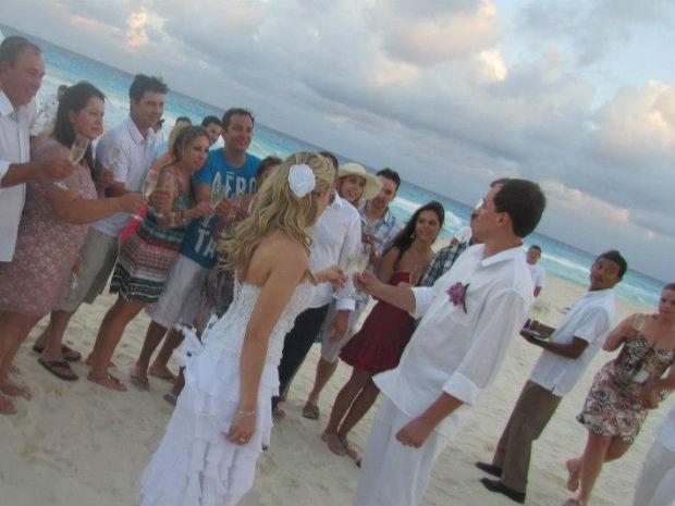 Dos 60 convidados, 43 compareceram ao casamento (Foto: Arquivo Pessoal)