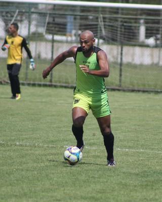 Diego Souza em ação com a camisa do Volta Redonda (Foto: Divulgação/Assessoria P2)