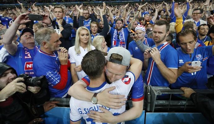 Torcida Islândia x França (Foto: Reuters)