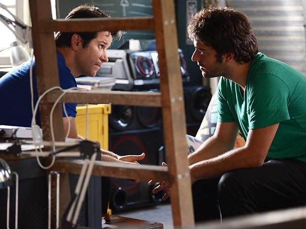Jonas procura Davi para contar toda a verdade (Foto: Raphael Dias/ TV Globo)